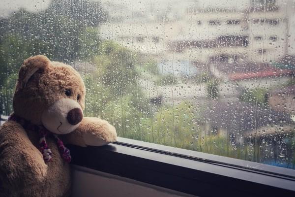 Kinderbeschaftigung-bei-Regen