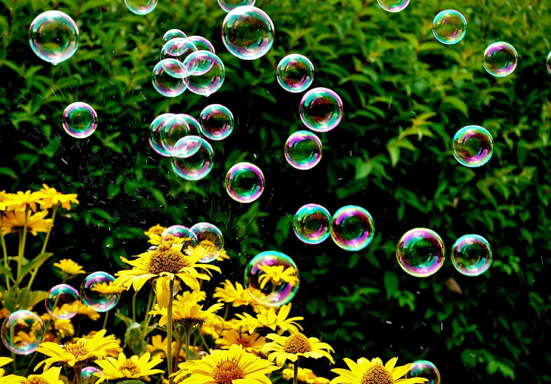 blogartikel-seifenblasen-selber-machen-wiese